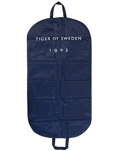 Tiger of Sweden Suit Cover Blue i gruppen Accessoarer / Väskor / Kostymfodral hos Care of Carl (10990110)