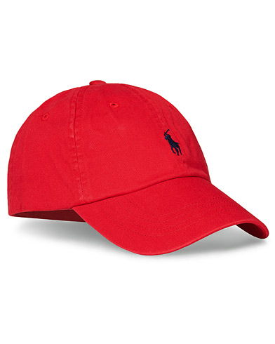 Polo Ralph Lauren Classic Sports Cap Red  i gruppen Accessoarer / Hattar & kepsar / Kepsar hos Care of Carl (10994310)