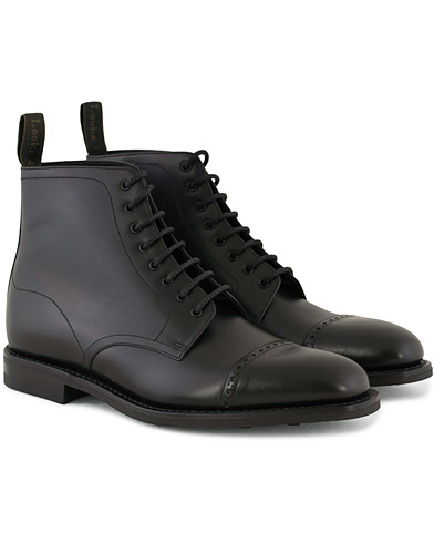 Loake 1880 Hyde Boot Black Calf i gruppen Skor / Kängor hos Care of Carl (11234911r)
