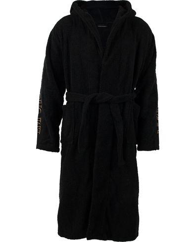 Emporio Armani Bathrobe Black i gruppen Kläder   Pyjamas   Morgonrockar    Morgonrockar hos Care of 90e9cfc4a4a17
