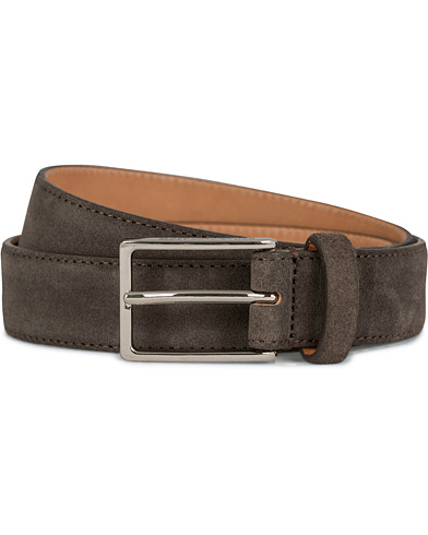 Oscar Jacobson Suede Belt 3 cm Dark Brown i gruppen Accessoarer / Bälten / Släta bälten hos Care of Carl (11629511r)
