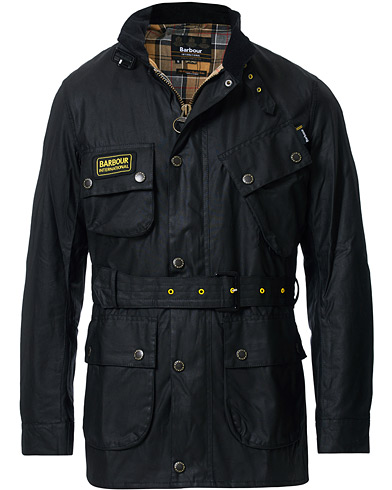 Barbour International Slim Wax Jacket Black i gruppen Kläder / Jackor / Vaxade jackor hos Care of Carl (12016111r)