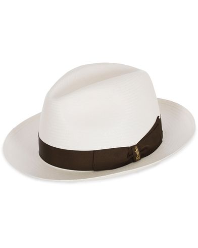 Borsalino Panama Fine With Medium Brim White Brown Ribbon i gruppen Accessoarer / Hattar & kepsar / Hattar hos Care of Carl (12418111r)