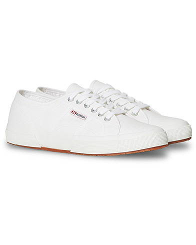 Superga Canvas Sneaker White i gruppen Skor / Sneakers hos Care of Carl (13660111r)