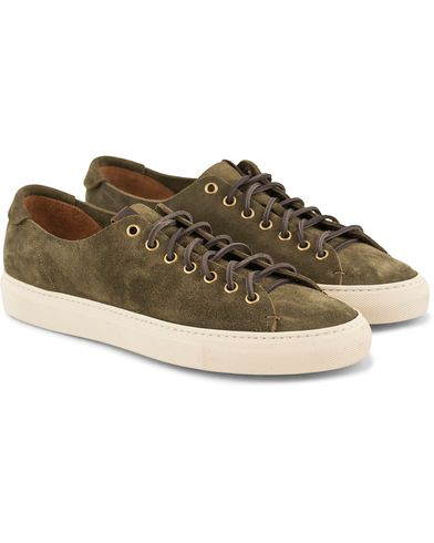 Buttero Sneaker Army Green Suede i gruppen Skor / Sneakers / Låga sneakers hos Care of Carl (13692311r)