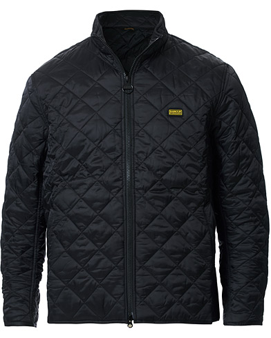 Barbour International Gear Quilted Jacket Black i gruppen Kläder / Jackor / Quiltade jackor hos Care of Carl (14176911r)