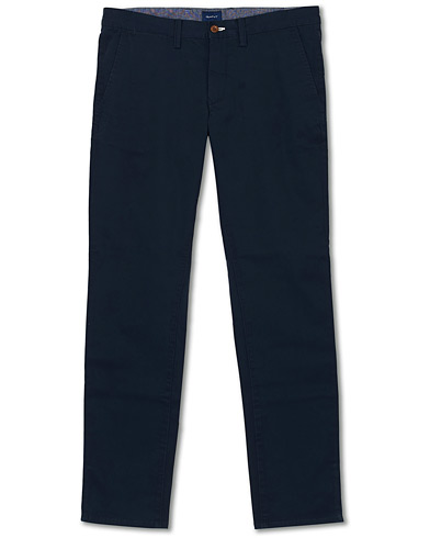 GANT Slim Twill Chino Marine i gruppen Kläder / Byxor / Chinos hos Care of Carl (14232711r)