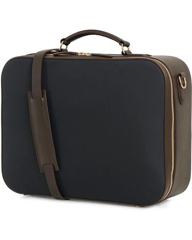Mismo M/S Suitcase Navy/Dark Brown  i gruppen Accessoarer / Väskor / Weekendbags hos Care of Carl (14285610)