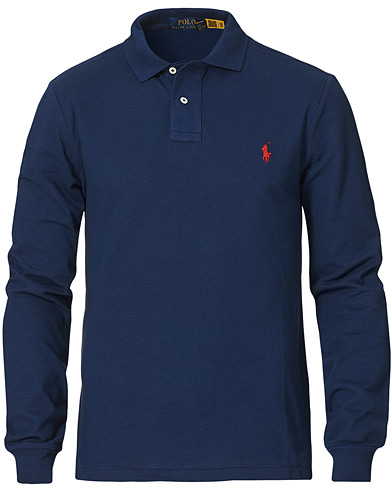 Polo Ralph Lauren Slim Fit Long Sleeve Polo Newport Navy i gruppen Kläder / Pikéer / Långärmade pikéer hos Care of Carl (14317011r)