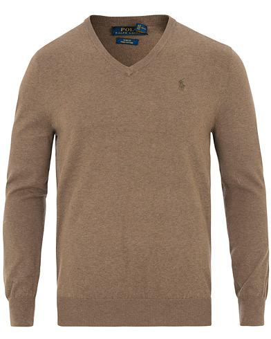 Ett plagg, tre outfits: Pullovern |