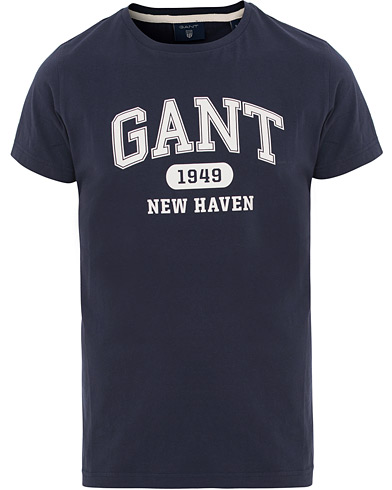 GANT The Summer Logo Tee Classic Blue i gruppen Kläder / T-Shirts / Kortärmade t-shirts hos Care of Carl (14706511r)