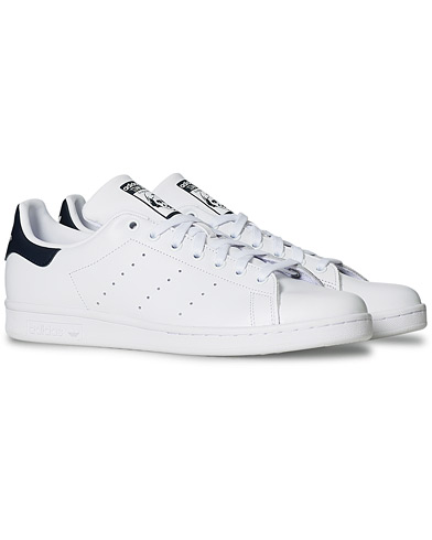 adidas Originals Stan Smith Leather Sneaker White/Navy i gruppen Skor / Sneakers / Låga sneakers hos Care of Carl (14979211r)