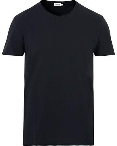Filippa K Roll Neck Tee Navy i gruppen Kläder / T-Shirts / Kortärmade t-shirts hos Care of Carl (15029311r)