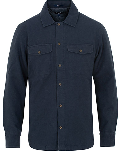 GANT The Padded Overshirt Marine i gruppen Kläder / Skjortor / Casual / Overshirts hos Care of Carl (15214911r)