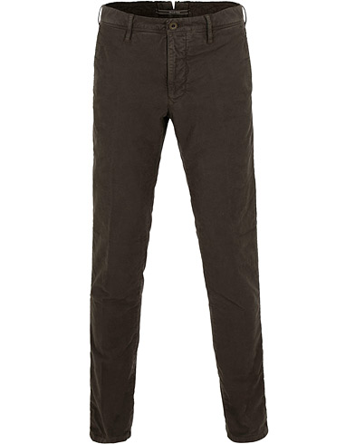 Incotex Slim Fit Garment Dyed Washed Slacks Dark Brown i gruppen Kläder / Byxor / Chinos hos Care of Carl (15247611r)
