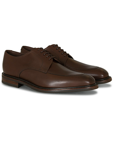 Loake 1880 Acton Split Toe Shadow Sole Derby Dark Brown Calf i gruppen Skor / Derbys hos Care of Carl (15350611r)