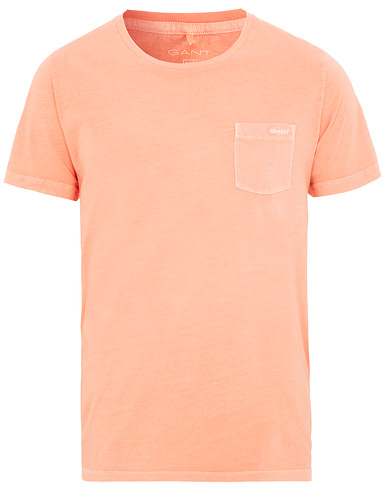 GANT Sunbleached Pocket Tee Peach Bud i gruppen Kläder / T-Shirts / Kortärmade t-shirts hos Care of Carl (15566811r)