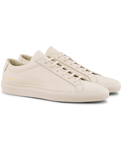 Common Projects Original Achilles Sneaker Warm White i gruppen Skor / Sneakers / Låga sneakers hos Care of Carl (15654211r)