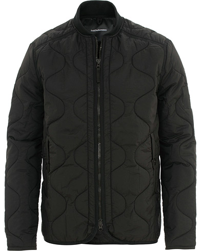 Peak Performance X7 Liner Quilted Jacket Black i gruppen Kläder / Jackor / Quiltade jackor hos Care of Carl (15656811r)