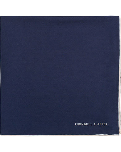 Turnbull & Asser Silk Handkerchief Navy  i gruppen Accessoarer / Näsdukar hos Care of Carl (15712710)