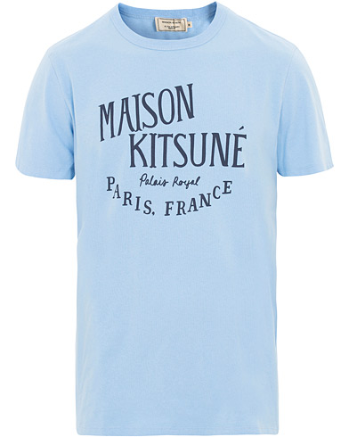 Maison Kitsuné Tee Palais Royal Light Blue i gruppen Kläder / T-Shirts / Kortärmade t-shirts hos Care of Carl (15721011r)