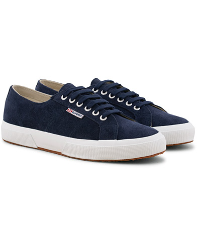 Superga Suede Sneaker Blue Deep Sea i gruppen Skor / Sneakers / Låga sneakers hos Care of Carl (15747711r)