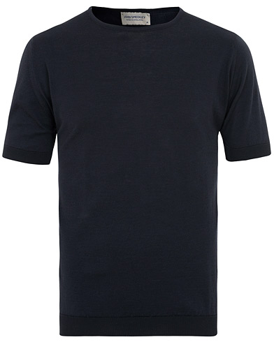 John Smedley Belden Sea Island Cotton Tee Navy i gruppen Kläder / T-Shirts / Kortärmade t-shirts hos Care of Carl (15750511r)