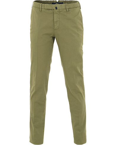 Incotex Slim Fit Twill Chinos Military Green i gruppen Kläder / Byxor / Chinos hos Care of Carl (15761411r)