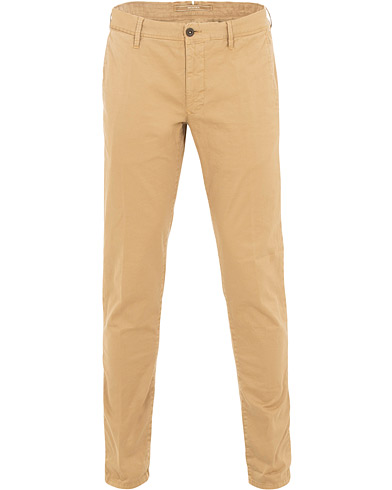 Incotex Slim Fit Stretch Slacks Khaki i gruppen Kläder / Byxor / Chinos hos Care of Carl (15762011r)