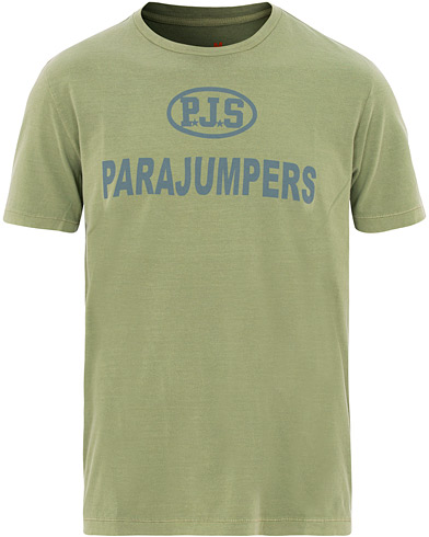 Parajumpers Jonny Printed Crew Neck Tee Capers Green i gruppen Kläder / T-Shirts / Kortärmade t-shirts hos Care of Carl (15837411r)