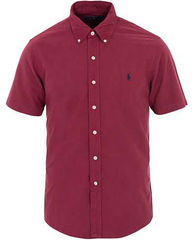 Polo Ralph Lauren Slim Fit Garment Dyed Oxford Short Sleeve Wine Red i gruppen Kläder / Skjortor / Casual hos Care of Carl (16066011r)