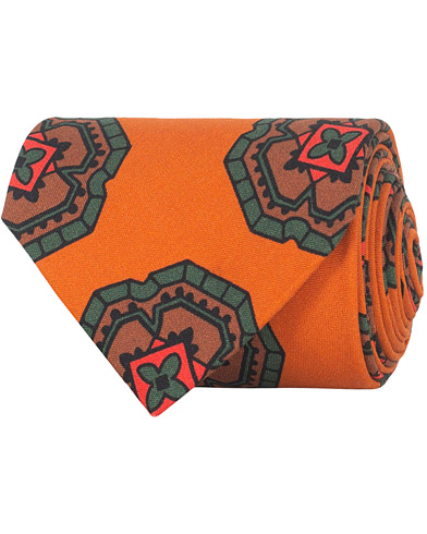 Drake's Silk Printed Large Medallion Tie 8 cm Orange  i gruppen Accessoarer / Slipsar hos Care of Carl (16103210)