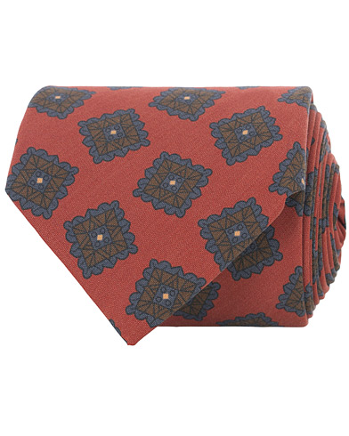 Drake's Washed Silk Printed Square Tie 8 cm Red  i gruppen Accessoarer / Slipsar hos Care of Carl (16104510)