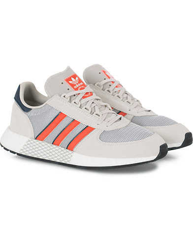 adidas Originals Marathon Tech Sneaker Raw White i gruppen Skor / Sneakers / Running sneakers hos Care of Carl (16219311r)