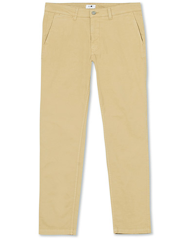 NN07 Marco Slim Fit Stretch Chinos Sand i gruppen Kläder / Byxor / Chinos hos Care of Carl (16250811r)