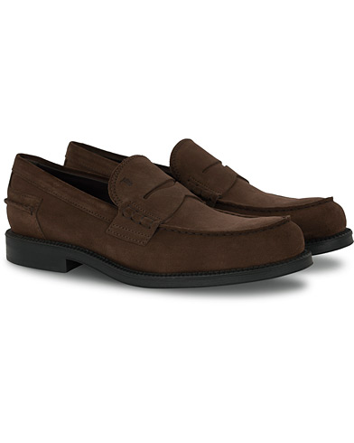 Tod's Penny Loafer Dark Brown Suede i gruppen Skor / Loafers hos Care of Carl (16370111r)