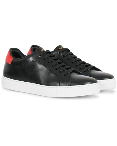 Paul Smith Basso Sneaker Black Red Tab Calf i gruppen Skor / Sneakers hos Care of Carl (16461911r)