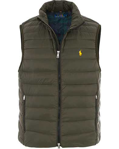 Polo Ralph Lauren Lightweight Down Vest Olive i gruppen Kläder / Västar hos Care of Carl (16513011r)