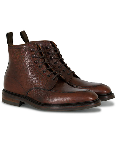 Loake 1880 Anglesey Derby Boot Oxblood Grain Calf i gruppen Skor / Kängor hos Care of Carl (16564611r)