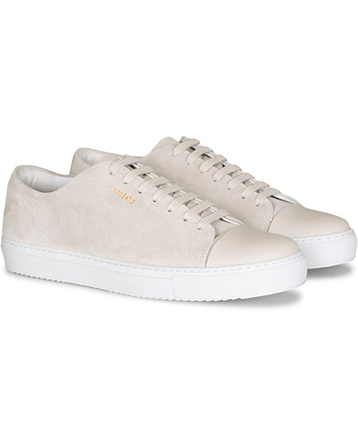 Axel Arigato Cap Toe Sneaker Off White Suede i gruppen Skor / Sneakers hos Care of Carl (16669611r)