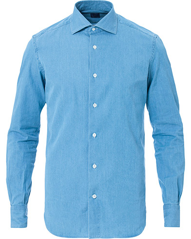 Mazzarelli Washed Denim Cut Away Shirt Light Blue i gruppen Kläder / Skjortor / Casual hos Care of Carl (16695011r)
