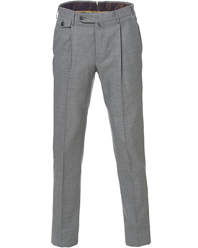PT01 Gentleman Fit Pleated Wool Trousers Light Grey i gruppen Kläder / Byxor / Uddabyxor hos Care of Carl (16826511r)