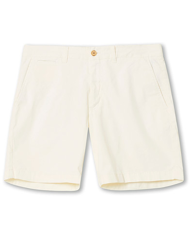 Morris Light Twill Chino Shorts Off White i gruppen Kläder / Shorts / Chinosshorts hos Care of Carl (16907511r)