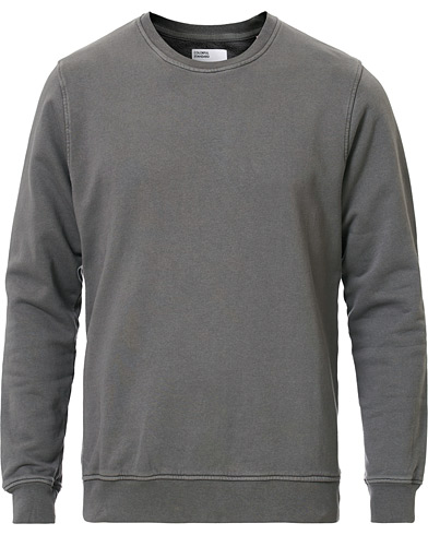 Colorful Standard Classic Organic Crew Neck Sweat Storm Grey i gruppen Kläder / Tröjor / Sweatshirts hos Care of Carl (16984311r)