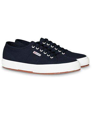 Superga Canvas Sneaker Navy i gruppen Skor / Sneakers hos Care of Carl (17066311r)