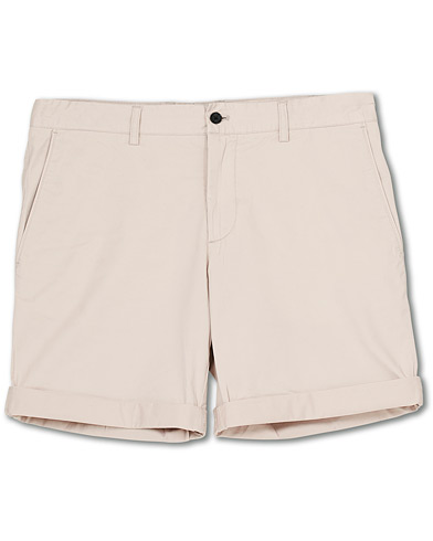 J.Lindeberg Nathan Super Satin Shorts Cloud Grey i gruppen Kläder / Shorts / Chinosshorts hos Care of Carl (17102111r)