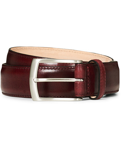 Loake 1880 Henry Leather Belt 3,3 cm Burgundy i gruppen Accessoarer / Bälten / Släta bälten hos Care of Carl (17145511r)