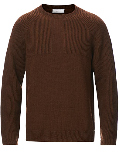 Tiger of Sweden Yogi Ribbed Crew Neck Golden Brown i gruppen Kläder / Tröjor / Stickade tröjor hos Care of Carl (19285911r)