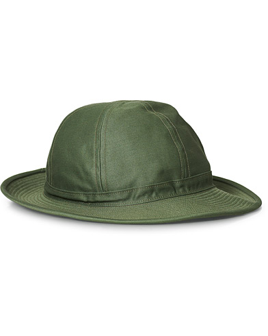 BEAMS PLUS Military Bucket Hat Olive i gruppen Accessoarer / Hattar & kepsar hos Care of Carl (19560210)