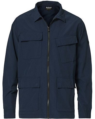 Barbour International Rally Ripstop Overshirt Navy i gruppen Kläder / Skjortor / Casual / Overshirts hos Care of Carl (20686411r)